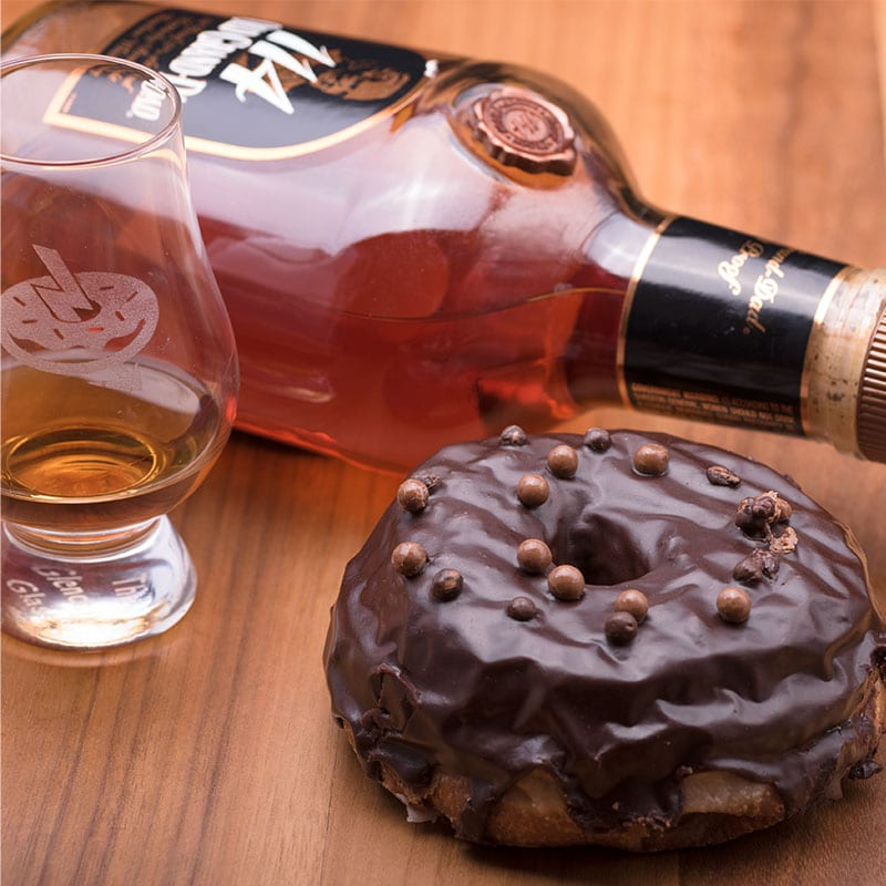 Old Grand Dad 114   Chocolate - Whisky and Donuts